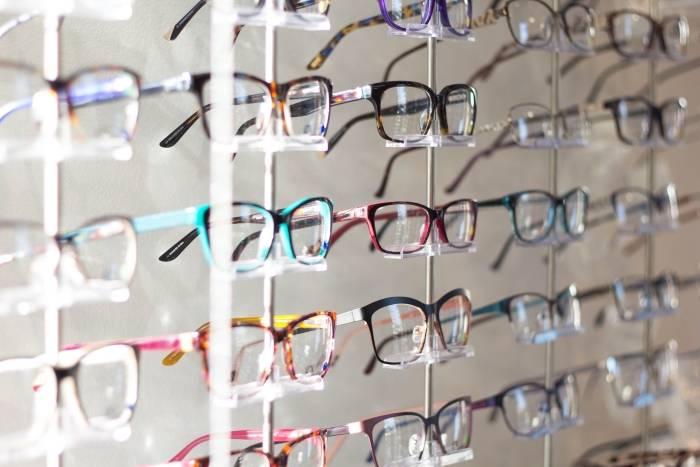 Briller-innfatning-optiker-brilleglass-til-dame-og-herre-billig-LensOn-rabattkoder