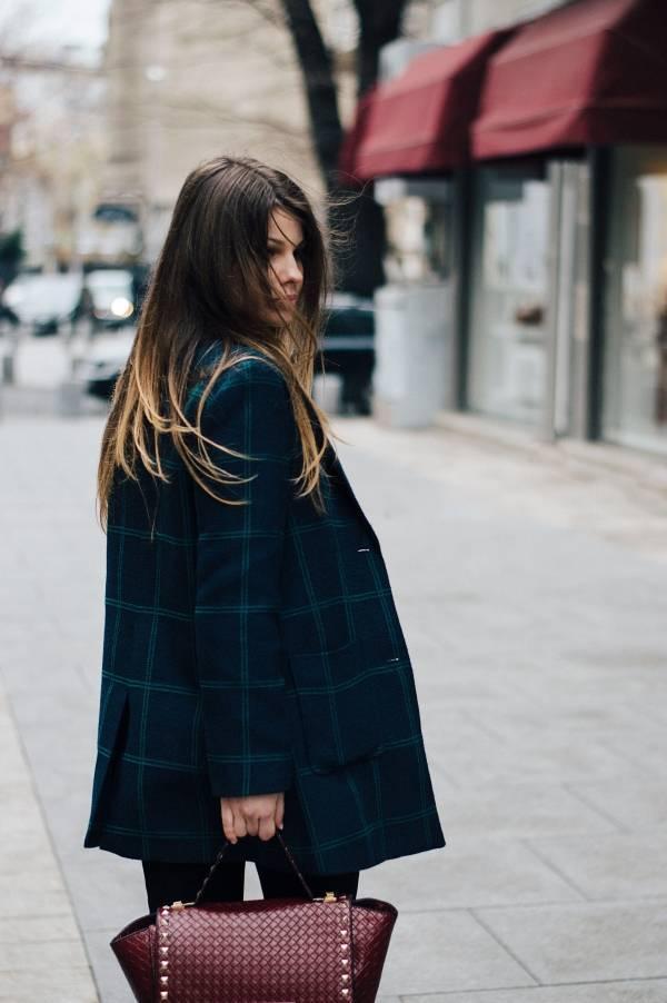 Kvinnelig-modell-iført-nyeste-mote-handle-mote-billig-med-en-Zalando-rabattkode